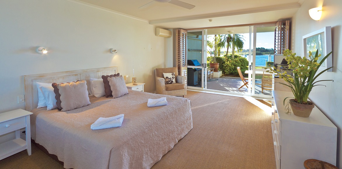 Noosa-Quays-Riverfront-Bedroom